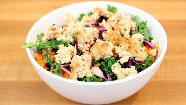 Turkey Muffins on Salad - Clean&Delicious®