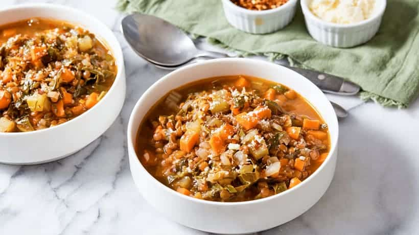 bowl of detox lentil soup