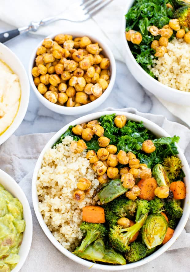 buddha bowls with crunchy chickpeas